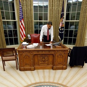 Barack-Obama-behind-Resolute-Desk-in-the-Oval-Office-Public-Domain-300x300