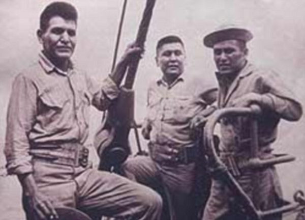 Kellwood was 21 years old in 1942 when he decided to join the Marines, after reading about the deadly battle of Guadalcanal. He's pictured on the left in the above photo